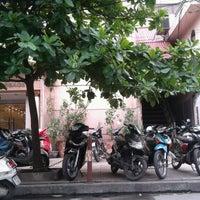 Photo taken at Café Cây Bàng Đổ by Dat N. on 6/5/2014