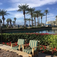 Photo taken at JW Marriott Oasis Bar And Grille by Mike on 12/8/2016