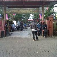 Photo taken at SMA Negeri 8 Malang by kidubsx on 7/21/2013