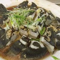 Photo taken at Golden Court Abalone Restaurant 黃金閣鮑翅海鮮酒家 by Jenn Y. on 12/23/2015