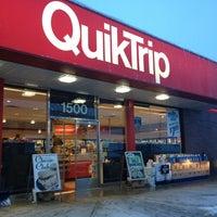 Photo taken at QuikTrip by Haslindawati H. on 3/25/2013