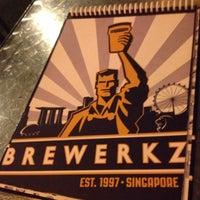 Photo taken at Brewerkz Restaurant & Microbrewery by arjin on 10/18/2012