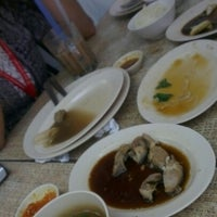 Photo taken at Restoran Nasi Ayam Malaysia by Mimie N. on 10/25/2012