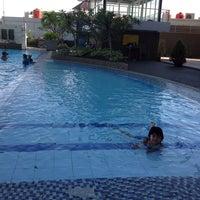 Photo taken at Swimming Pool by Shiina L. on 5/18/2013