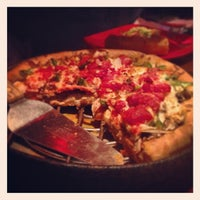 Photo taken at Uno Pizzeria & Grill - Forest Hills by Dana on 2/24/2013