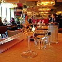 Das Foto wurde bei Café Leopold von Engin A. am 3/4/2013 aufgenommen