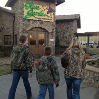 Photo taken at Olive Garden by Q D. on 2/28/2013