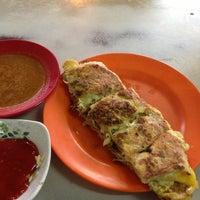 Photo taken at Restoran Noor by pâpõ on 9/13/2013