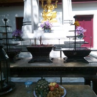 Photo taken at เทวสถาน (โบสถ์พราหมณ์) Dhevasathan (Brahmin Shrines) by เอซี่ เ. on 10/4/2016