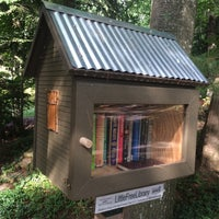 Photo taken at Balsam Circle Little Free Library, Spider Lake by Steven H. on 8/14/2016