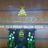 Photo taken at Dewan Jubli Perak Sultan Abdul Aziz Shah by Azrin A. on 1/27/2013