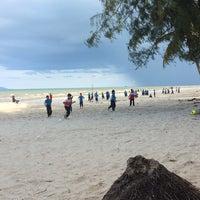 Photo taken at Sri Pantai Chalet Melawi, Bachok by Syafiqah A. on 8/22/2015
