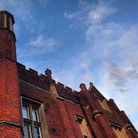 Foto tirada no(a) Latimer Place por Jana em 2/28/2014
