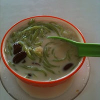 Photo taken at Restaurant Ansari Famous Cendol by Muhammad Iqbal A. on 2/5/2013