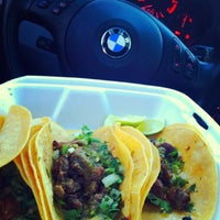 Photo taken at Taqueria El Si Hay by Yahdiel O. on 9/7/2013