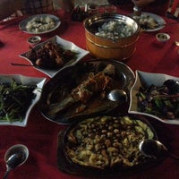 Photo taken at Restaurant Asam Batu Laut, Tg Sepat by Kelvin Choong on 3/16/2013