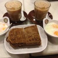 Photo taken at OldTown White Coffee by WynnE Y. on 2/3/2013