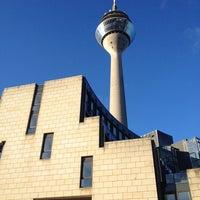 Das Foto wurde bei Landtag Nordrhein-Westfalen von Tobias K. am 11/9/2013 aufgenommen
