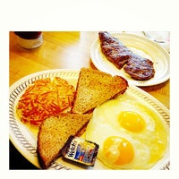 Photo taken at Waffle House by CC on 12/7/2013