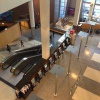 Das Foto wurde bei Baruch College - William and Anita Newman Vertical Campus von Nastya am 9/24/2013 aufgenommen