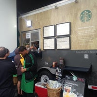 Photo taken at Starbucks by Oscar S. on 6/25/2013