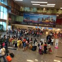 Photo taken at Changi Airport Terminal 1 by Htin Kyaw L. on 7/9/2013