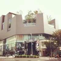 Photo taken at Tokyu Plaza Omotesando Harajuku by Toru on 10/23/2012