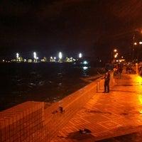 Photo taken at Esplanade (Padang Kota Lama) 舊關仔角 by Zainol A. on 6/7/2013