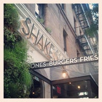 Photo taken at Shake Shack by Rachel H. on 7/6/2013