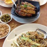 Photo taken at Crystal Jade Kitchen 翡翠小厨 by Doris T. on 4/5/2013