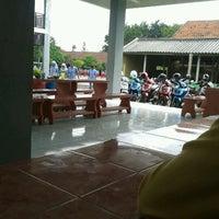 Photo taken at SMA Negeri 16 Surabaya by Rhezita P. on 1/18/2013