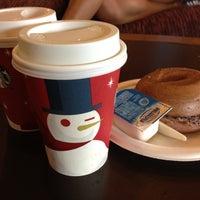 Photo taken at Starbucks by Adelweyss on 11/10/2012