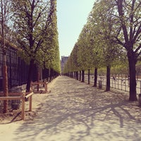 Photo taken at Tuileries Garden by R A. on 4/21/2013