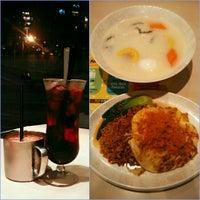 Photo taken at Xin Wang Hong Kong Café by 芷晴 f. on 7/11/2016