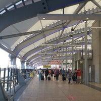 Photo taken at Brisbane Domestic Terminal by Clem7Chan on 9/28/2012