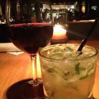 Photo taken at Houston's Restaurant by Erika C. on 8/19/2013