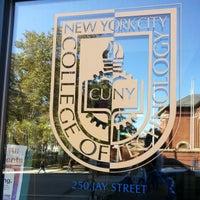 Das Foto wurde bei New York City College of Technology von NYC ENT Y. am 10/16/2012 aufgenommen