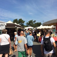 Photo taken at Marché du Cap Ferret by Florian P. on 9/10/2016