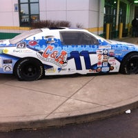 Photo taken at Quaker Steak & Lube® by Gerald T. on 2/10/2013