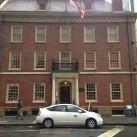 Photo taken at Fraunces Tavern by Paulo L. on 2/19/2013