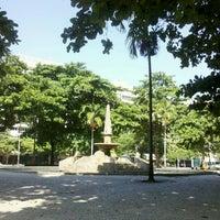 Foto tirada no(a) Praça General Osório por Natalia B. em 4/19/2013