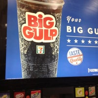 Photo taken at 7-Eleven by Miss Nellom on 11/12/2012