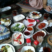 Photo taken at Yavuz'un Yeri by Ali Can A. on 10/2/2012