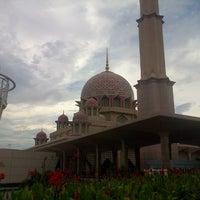 Photo taken at Masjid Putra by Saifullah S. on 11/13/2012