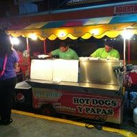 Photo taken at Hot Dogs Mi Líder by Ray B. on 1/25/2013