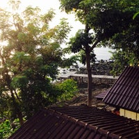 Photo taken at Vimarn Samed Resort Koh-Samed by Rashed on 9/9/2015