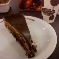 Photo taken at O Melhor Bolo de Chocolate do Mundo by Cínthia X. on 4/19/2013
