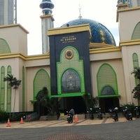 Photo taken at Masjid Agung AL-BARKAH Bekasi ® by Prasetia a. on 5/2/2016
