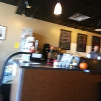Photo taken at Electric Beanz Coffee Bar by margie v. on 11/6/2013