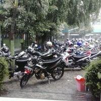 Photo taken at SMA Negeri 2 Kediri by Tetty P. on 4/7/2013